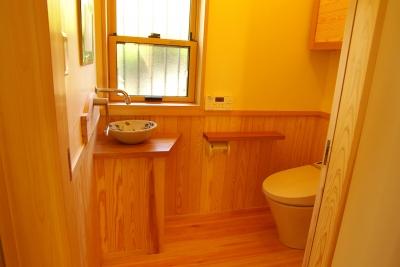 トイレ (平屋 純和風スタイル 幸せエコ住宅)