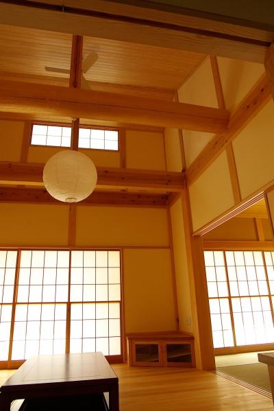 リビング 居間 (平屋 純和風スタイル 幸せエコ住宅)