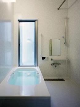 桶狭間の家 (浴室(撮影:喜多章))