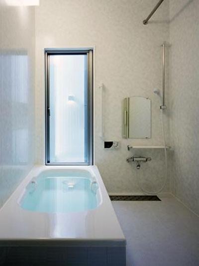 浴室(撮影:喜多章) (桶狭間の家)