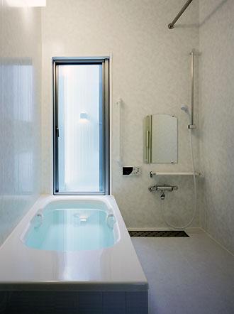 桶狭間の家の部屋 浴室(撮影:喜多章)