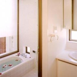 米が瀬町の家 (浴室(撮影:喜多章))