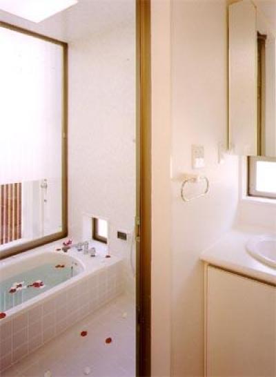 浴室(撮影:喜多章) (米が瀬町の家)