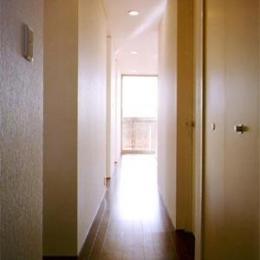 米が瀬町の家 (2階廊下(撮影:喜多章))
