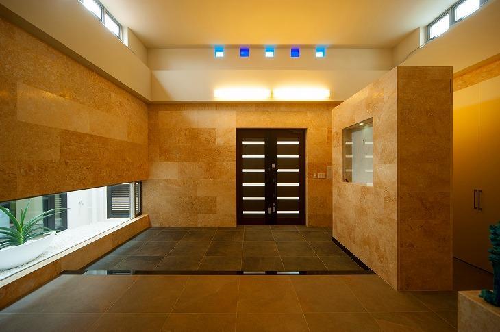 宮古の住宅1 (玄関)