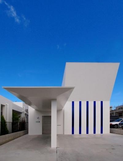 浦添の住宅2 (白い外観)