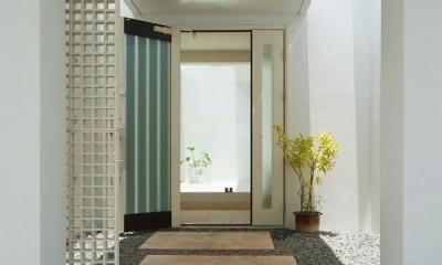 玄関アプローチ|浦添の住宅2