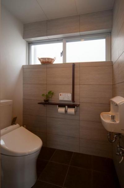 トイレ2 (浦添の住宅2)