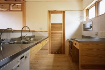 キッチン ナチュラルな木の造作 (若葉の家)