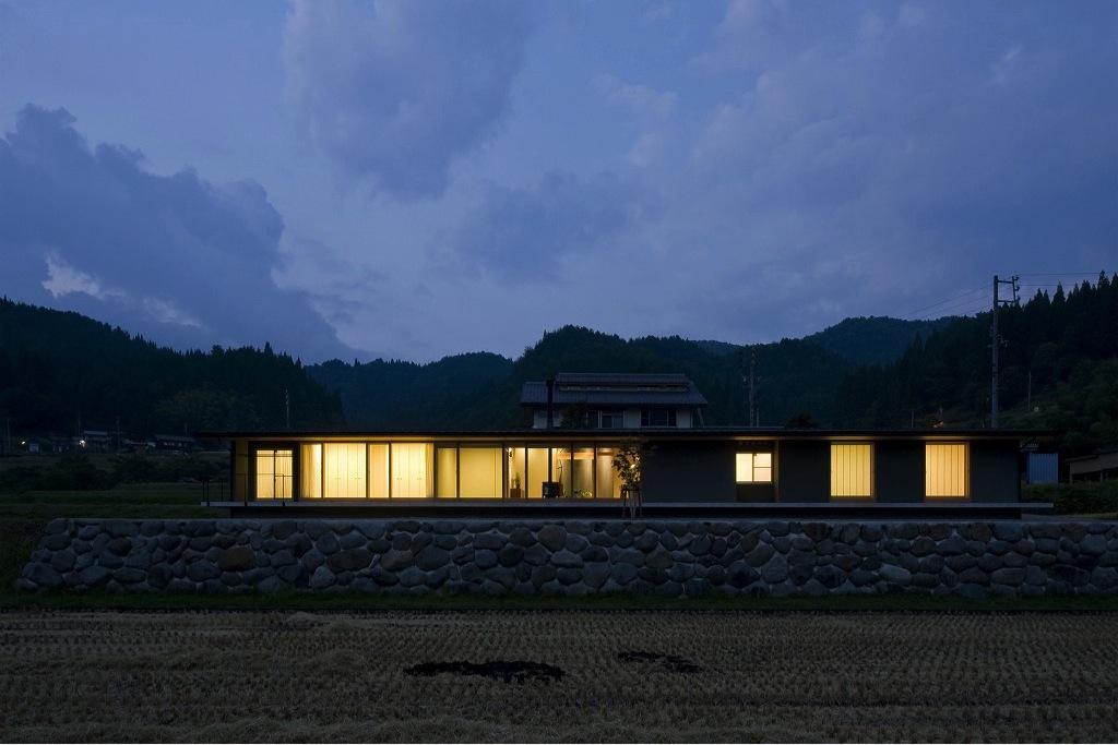 鮎立の家の写真 外観夕景