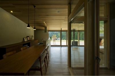 ダイニングキッチン (鮎立の家)