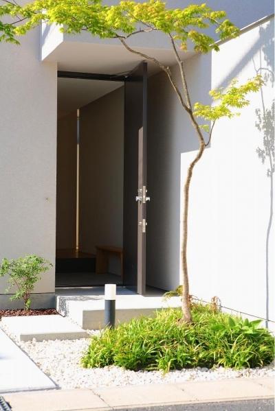 玄関 (清須の家)