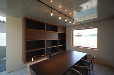 呉羽山を望む事務所兼住宅 (打ち合わせ室1)