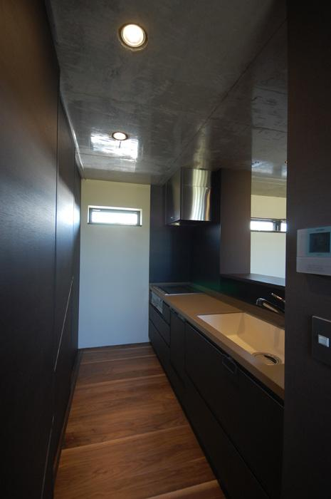 呉羽山を望む事務所兼住宅の部屋 キッチン