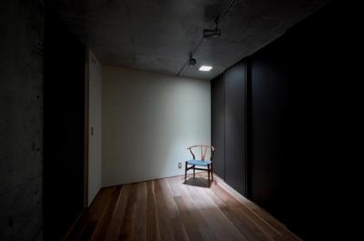 呉羽山を望む事務所兼住宅 (洋室)