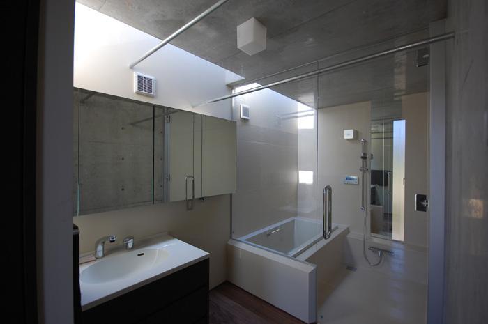 呉羽山を望む事務所兼住宅の部屋 洗面・浴室