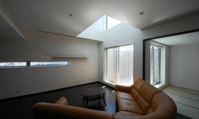 ガラスとコンクリートの対比