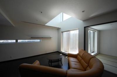 ガラスとコンクリートの対比 (LDK-2)