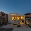 尾張旭の住宅の写真 外観夜景(撮影:谷川ヒロシ)