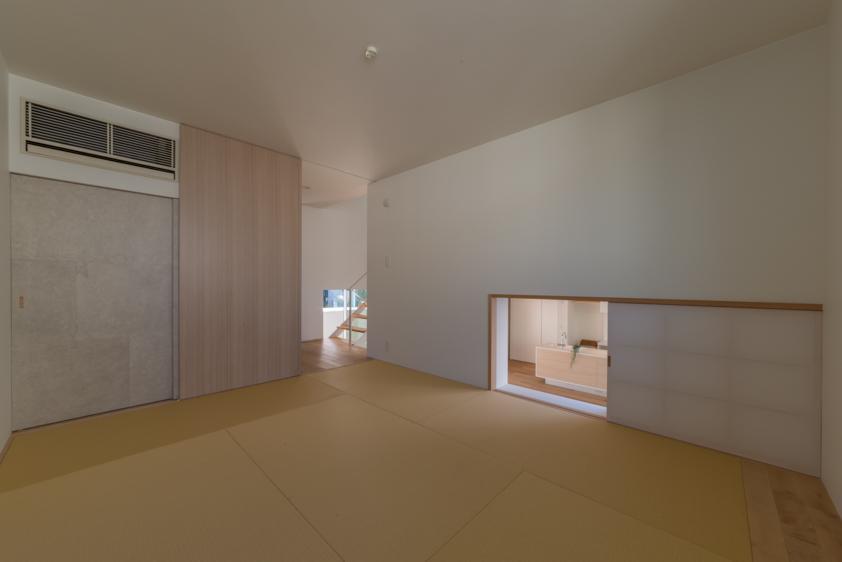 尾張旭の住宅の部屋 中2階和室(撮影:谷川ヒロシ)