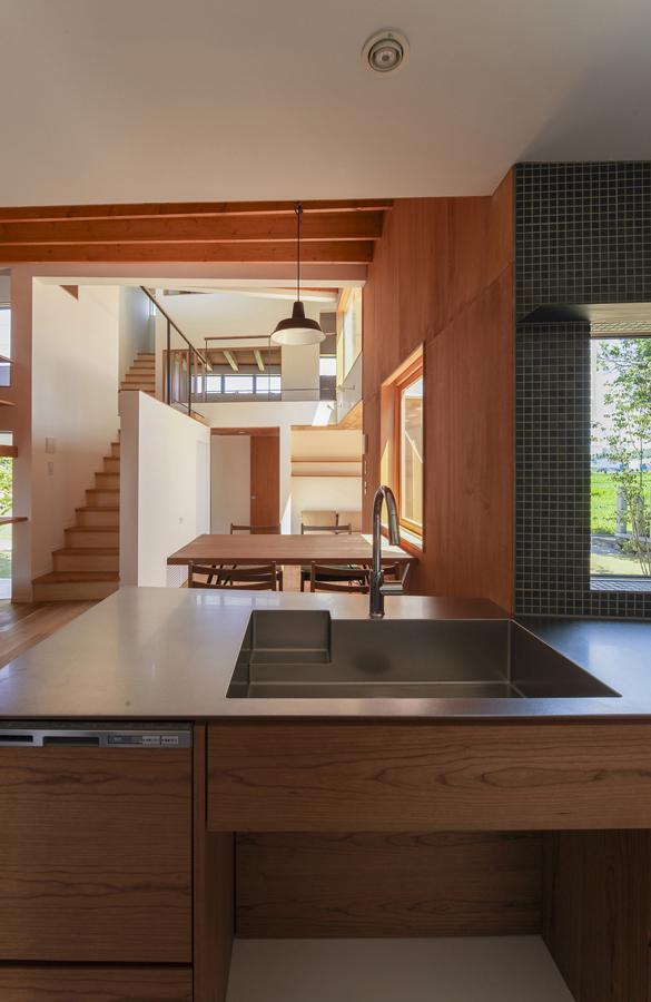 東員の住宅の部屋 キッチンからの眺め(撮影:多田ユウコ)
