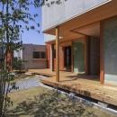 東員の住宅の写真 ウッドデッキテラス(撮影:多田ユウコ)