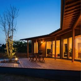 緑苑の家 (ウッドデッキテラス-夜景)