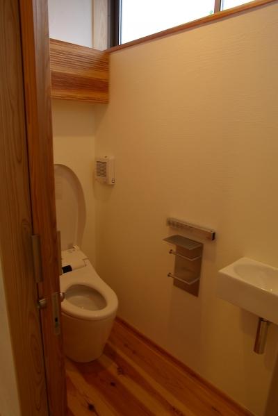 トイレ (薪ストーブの木の家 スローライフ)