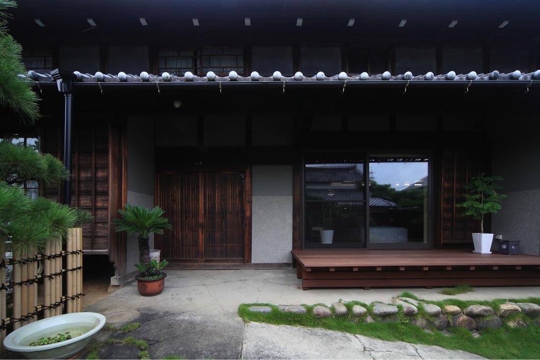葵の部屋 玄関-外観