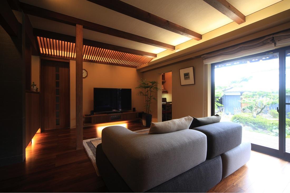 葵の部屋 明るいリビング-1