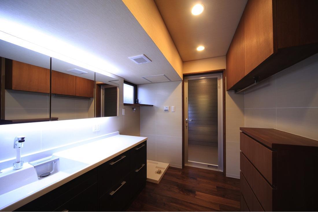 葵の部屋 開放的な洗面所