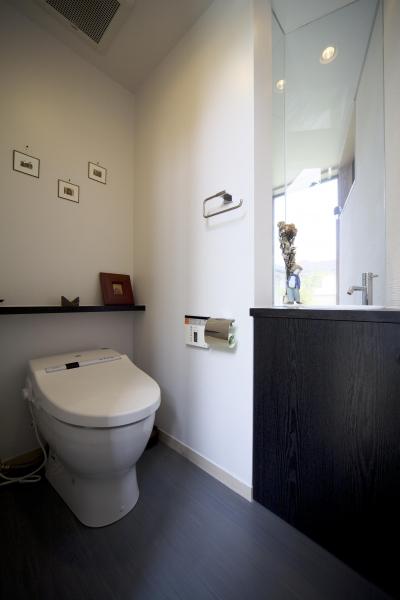 都筑の家 (2階トイレ)