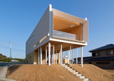 大きな軒下のある家-外観1 (『まどにわ』〜風・光・緑・景色が楽しめる住まい〜)