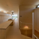 2階ダイニングテーブル付きキッチン
