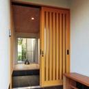 木格子戸の玄関