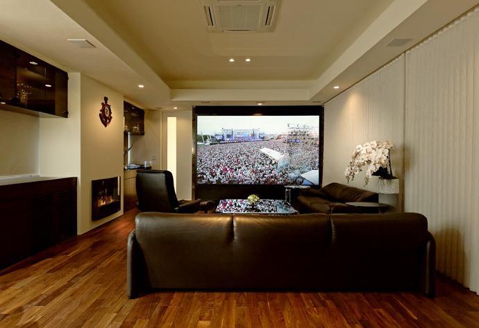 建築家:森本 初雄「『garden house with garage』〜ガレージ・庭・ホームシアター!趣味を最大限楽しめる住宅〜」