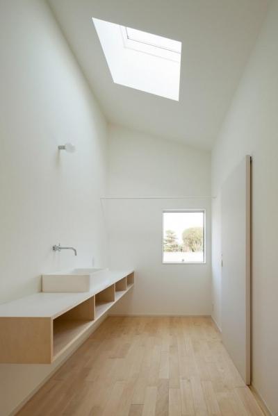 3つの屋根 (洗面室)