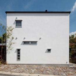 『八幡山の家』〜暮らしを楽しむ家〜 (真っ白のシンプルな外観)