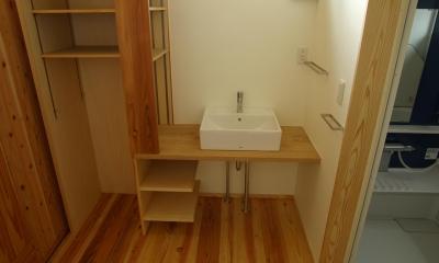 薪ストーブの木の家 スローライフ (洗面 収納)