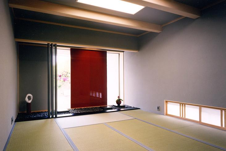 『I-house』〜垂直・水平のラインの美しさを表現した住まい〜の部屋 シンプルな和室