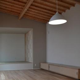 『垂水の平屋』〜中庭のあるシンプル&ナチュラルな住まい〜 (襖絵が印象的な畳スペース)