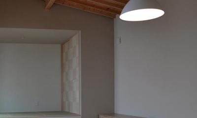襖絵が印象的な畳スペース 『垂水の平屋』〜中庭のあるシンプル&ナチュラルな住まい〜