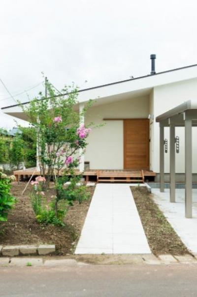 大きな一枚屋根の家-外観 (大きな一枚屋根の下で  −保田のN-House)