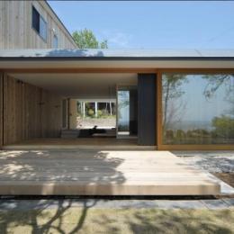風景に住む  −小諸のK-House (フルオープンの開放的なテラス)