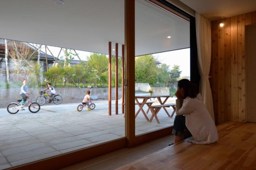 風景に住む  −小諸のK-Houseの部屋 子供を近くに感じられる住まい