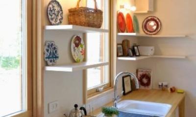 カントリー調のキッチン-2|風景に住む  −小諸のK-House