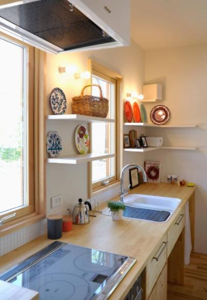 風景に住む  −小諸のK-Houseの部屋 カントリー調のキッチン-2