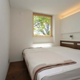 風景に住む  −小諸のK-House (シンプルなベッドルーム)