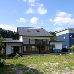 『横手の家』〜自然素材たっぷりの和風住宅〜 (白い和風住宅-南側外観)