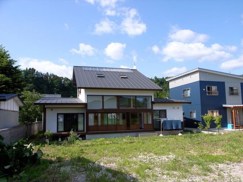 『横手の家』〜自然素材たっぷりの和風住宅〜の写真 白い和風住宅-南側外観